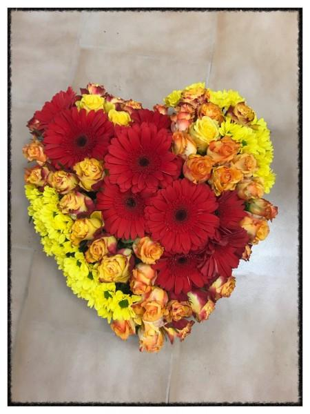 Compositions florales en forme de coeur